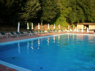 Villa Montecchio private flat (4guests) pool/tennis - just 20 mins from Pisa
