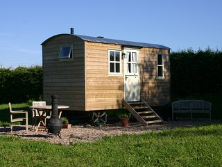 The Shepherd's Hut - fully en-suite