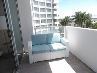 Amazing 1 bed in Mondrian 5* Star hotel * Sleeps 4 * Balcony * View * Pool * Gym