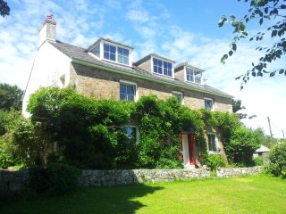 Hendersick Farmhouse B&B, Sea Views, Peaceful Countryside, Access to Coast Path