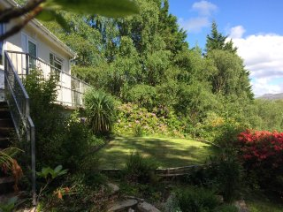 Woodland Nature Lovers Cottage Hideaway set in an Acre of Privacy - Ardnamurchan