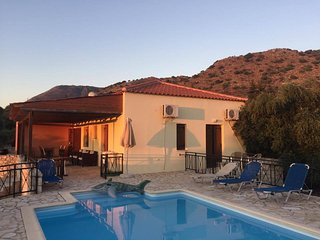 ☀️ NO STAIRS ☀️ Near Almyrida ☀️PRIVATE POOL Gated for Child Safety ☀️ FREE WiFi