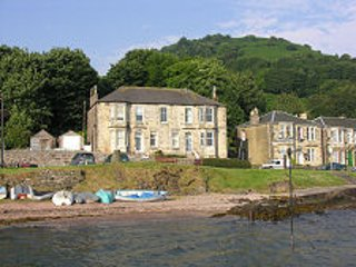 Isle of Bute, Kilchattan Bay, Upper Villa overlooking the sea