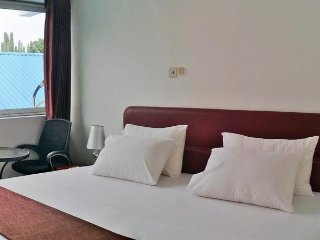 Serviced En-suite room in Accra -Close to N1 highway and Accra Mall/Airport