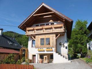Ferienhaus in der Schlipfing mit idyllischem See- und Bergblick im Salzkammergut