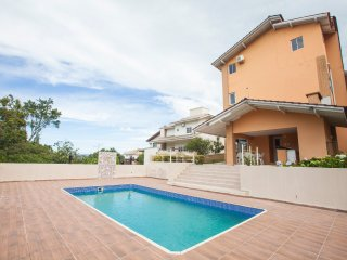 5BR Villa with Pool and Ocean Views!!