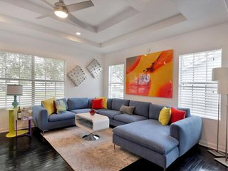CASA OLMOS: 4 MILES FROM DOWNTOWN & ALL MAJOR ATTRACTIONS IN CALM NEIGHBORHOOD