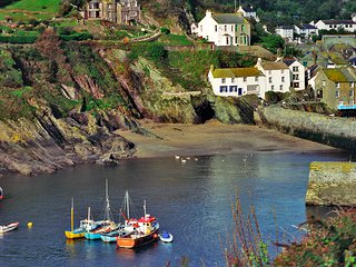 Lanlawren Cottage sleeps 2 - 8 & Polperro - Discounts for 2 adults Feb onwards.