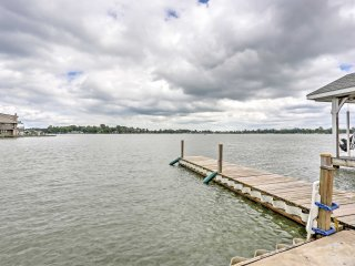 NEW! Waterfront 1BR Huntsville House on Indian Lake