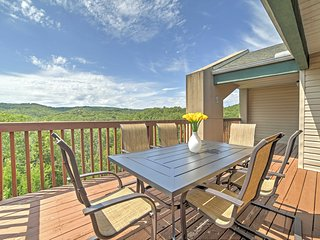Remodeled Lakeview Branson Condo Near SDC w/ Deck!