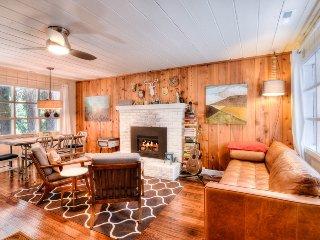 Comfortable West Shore Cabin