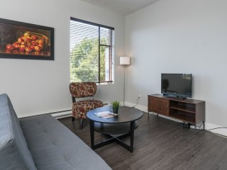 Comfy Pike Place Apartment