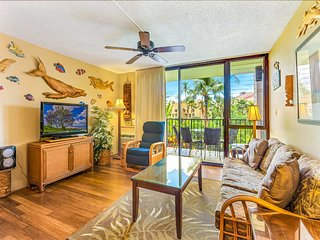 Hawaii Decor w/Wood Floors, Refreshed Kitchen, Lanai, WiFi–Kamaole Sands 6204