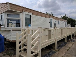 KINGFISHER CARAVAN PARK 2 - 8 BERTH CARAVAN WITH VERANDA
