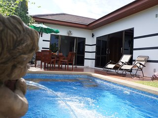 Tropicana 2 bedrooms with pool in VIP Chain Resort Rayong