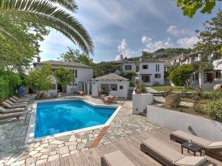 Two - Floor Villa  (Aeolos Hotel Complex)