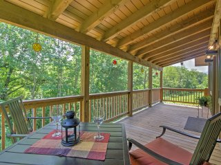 'Fox Ridge Cabin' Cozy 1BR Whittier Cabin!