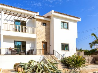 Villa Athena - Spacious Luxury 3 Bedroom Villa with Private Pool - DISCOUNTED!!