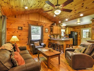 Step inside the rustic cabin to make yourself at home in the traditional cabin atmosphere.