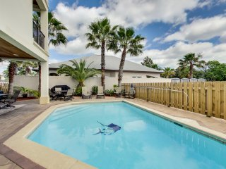 Tropical Oasis I -  6Bd/7Bth Awesome Home With Pool And Access To Private Beach!