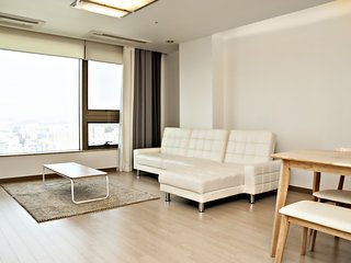 Trapalace 3 Bedrooms 2 Bathrooms (Han River View)