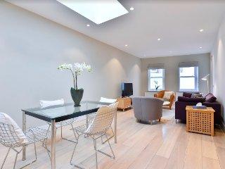 Attractive, modern Fulham apartment, sleeps 4