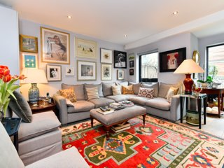 Magnificently Designed 2 Bed House by the Thames