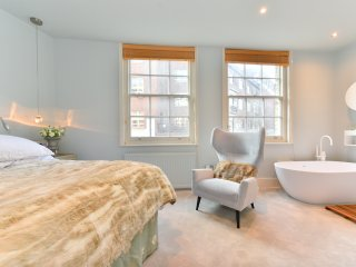 Awesome house in the heart of London, sleeps 7
