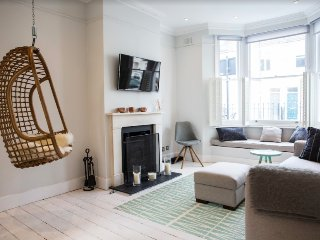 Picturesque Fulham house, 3 beds, sleeps 6