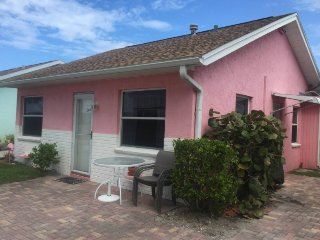 REDINGTON BEACH COTTAGE 1