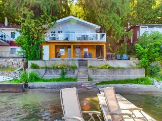 Beautiful Lakeside Home with private beach!
