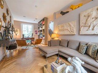 Designer C London villa with wow factor