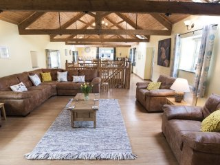 Wooladon Estate | The Rookery. Luxury detached converted barn. Sleeps 6-9.
