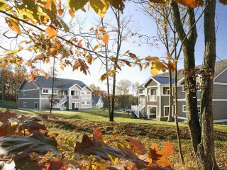 Poconos! Wyndham Shawnee Village  Fully furnished Condo Resort
