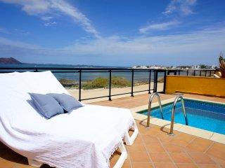 Newly Renovated Seaside Villa