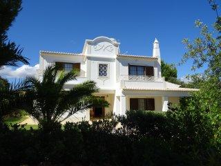 20% OFF!! Modern Villa w/ private pool,Games room,Sea view AC, Wifi