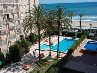 Sea Front Apartment 2 Pools / 1a linea mar 2 piscinas