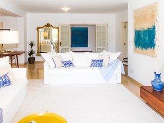 Liiiving in Porto | Riverside Luxury Apartment