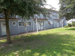 Lovely and Spacious Biloxi Beach Two Bedroom Gem - Check Out Special Weekly Rate