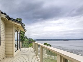 NEW! 3BR Home on Puget Sound Near Airport
