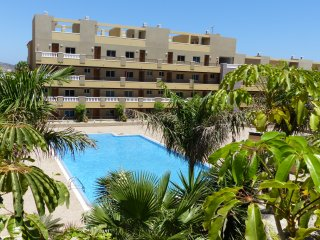 La Perla Sea View Beach Apartment & Pool