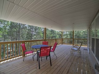 NEW! Waterfront 3BR Galena House on Table Rock Lake