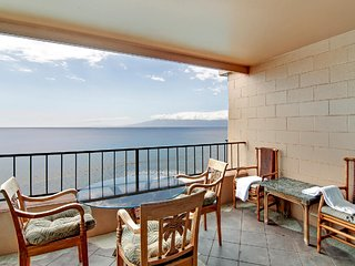 Best Oceanfront Corner Luxury Condo-Additional Side View Window - Updated $199