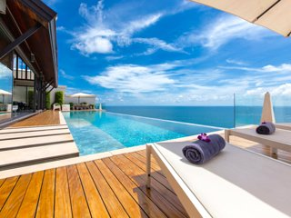 Villa Paradiso Naithon Beach Phuket - Swimming Pool