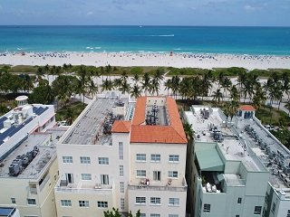 4 Room Cosmopolitan Deluxe Suite on Ocean Drive