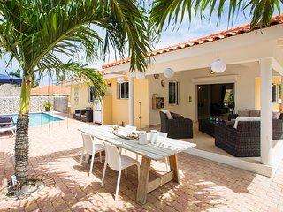 Villa Drumi Dushi met privé zwembad