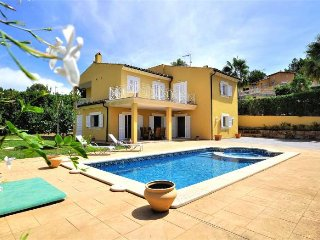 House for 8 people (4 bedrooms) in Costa de la Calma. Calvia- Private Pool. BBQ-