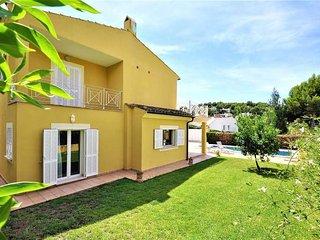 House for 8 people (4 bedrooms) in Costa de la Calma. Calvia- Private Pool. BBQ-