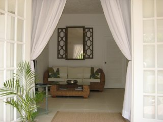 Affordable Luxury on Barbados' Platinum Coast - Stylish 1 Bedroom Apt.