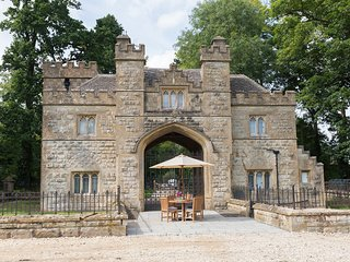 Castle Gatehouse, Sleeps 4, Dog Friendly